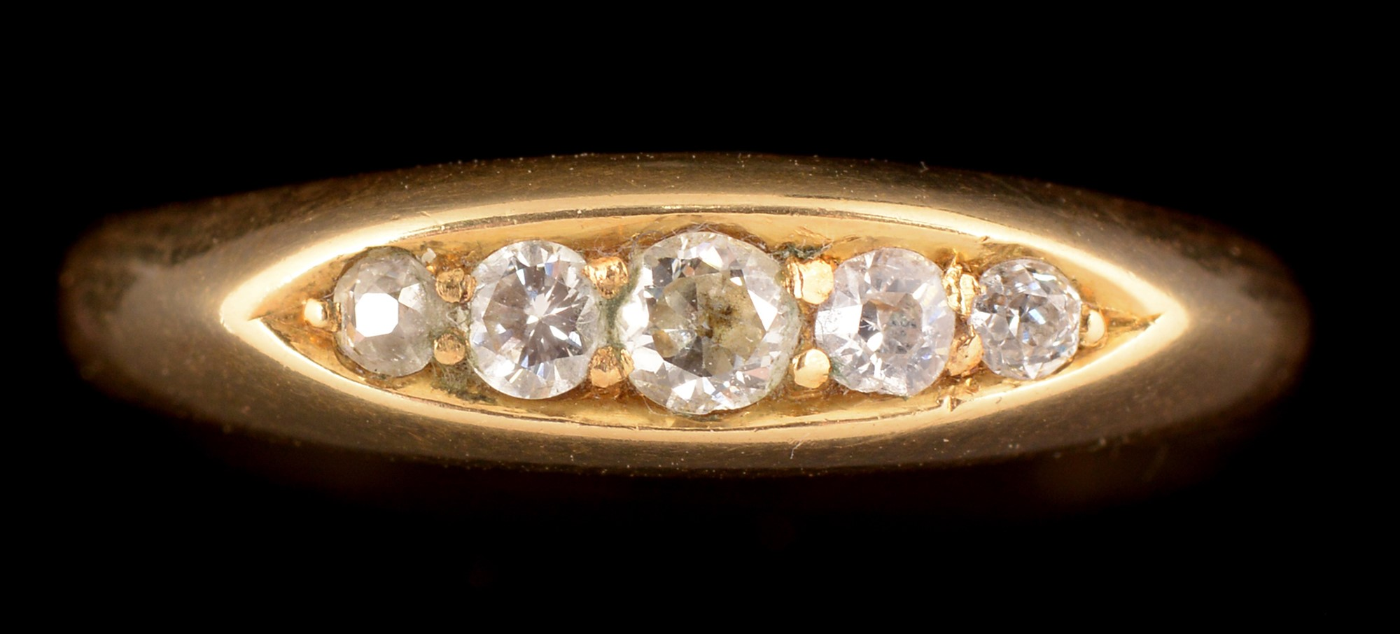 Lot 485 - A diamond ring