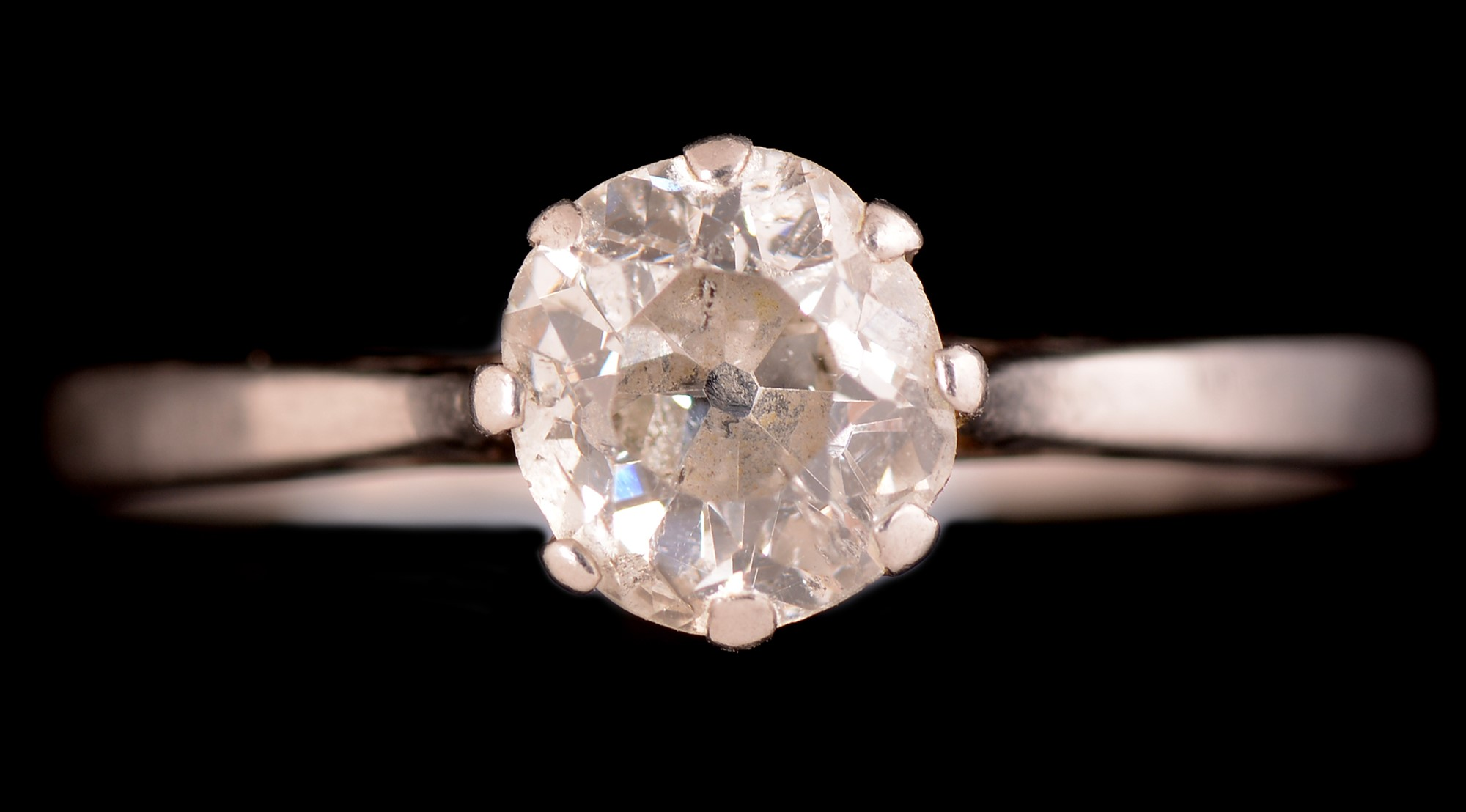 Lot 496 - A solitaire diamond ring