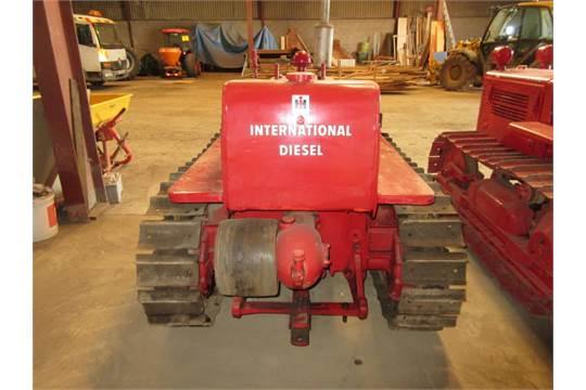 INTERNATIONAL TD6 4cylinder diesel CRAWLER TRACTOR Serial No