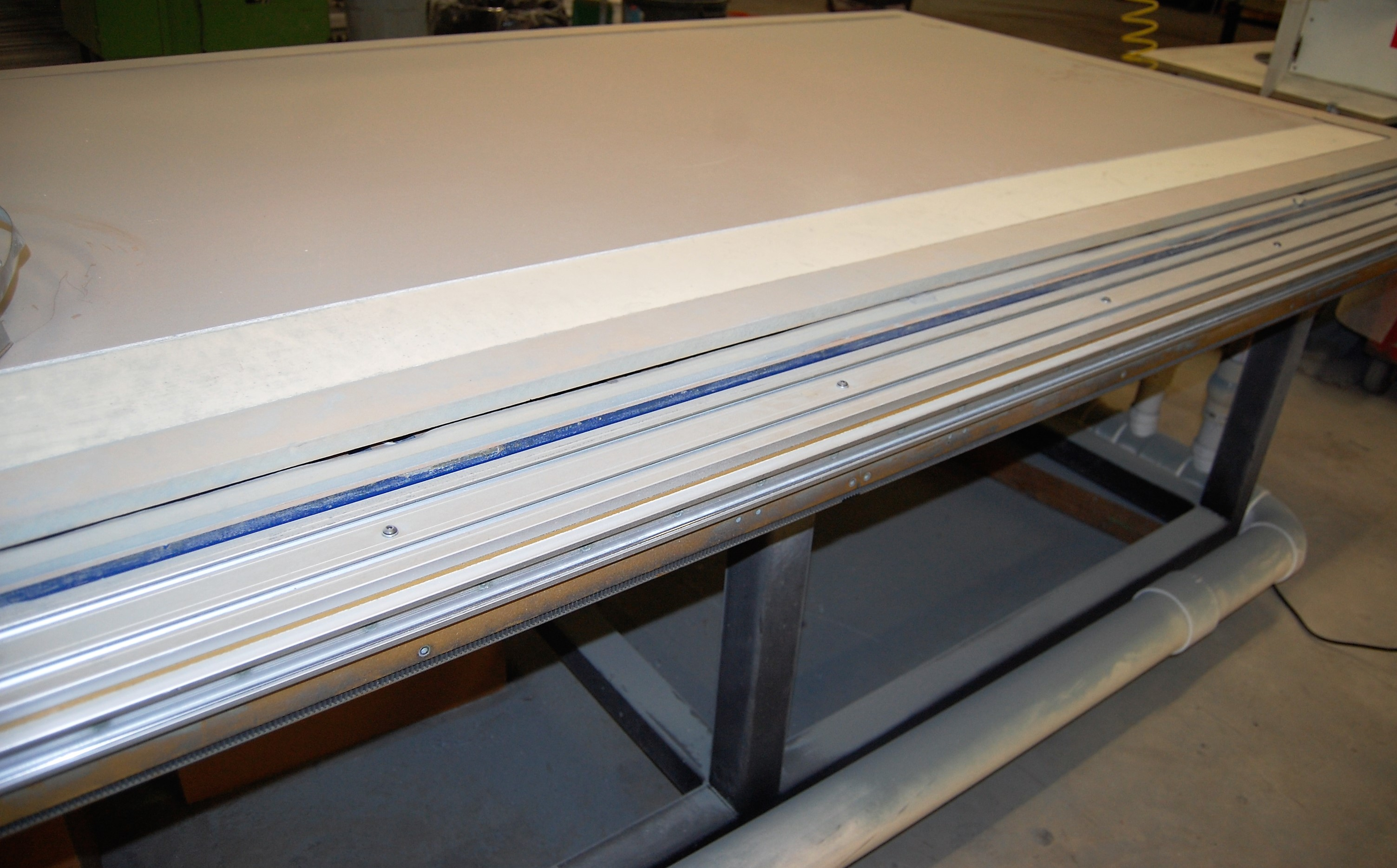 Lot 15 - 5' X 10' ACCU-CUT MDL. 510 CNC ROUTER, 5.5HP HEAD, 12,555 - 20,000 RPM, VACUUM TABLE, 10HP DUSTEK