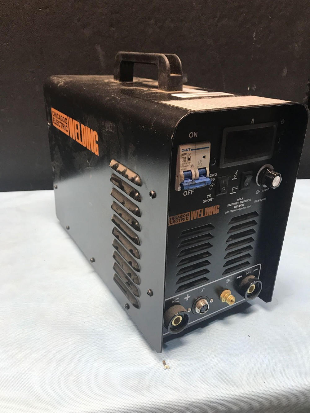 Lot 7 - CHICAGO ELECTRIC WELDING 165A INVERTER TIG / STICK WELDER