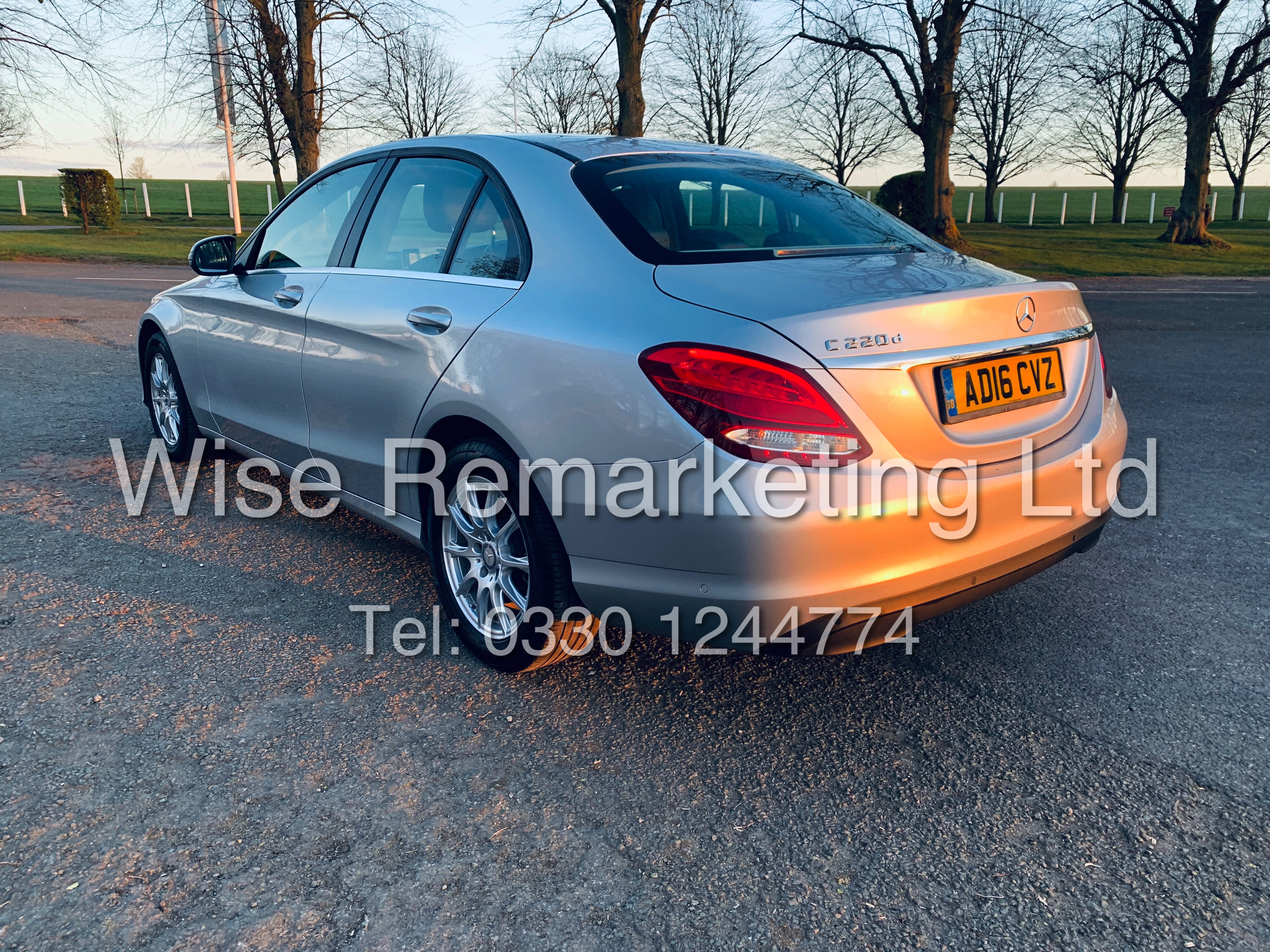"""*** RESERVE MET *** MERCEDES C220D AUTOMATIC """"SE EXECUTIVE"""" SALOON (2016) 1 OWNER / SAT NAV LEATHER - Image 8 of 25"""