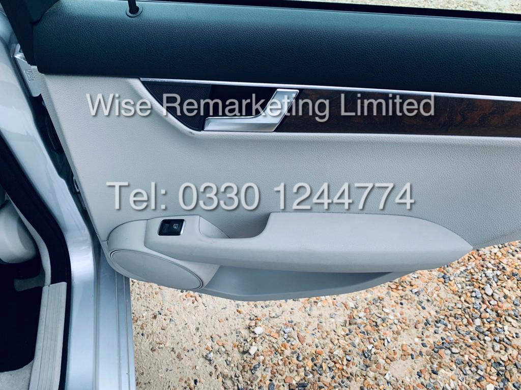 MERCEDES C220 SE EXECUTIVE ESTATE 2.1 CDI 13 REG *CREAM LEATHER* - Image 22 of 23