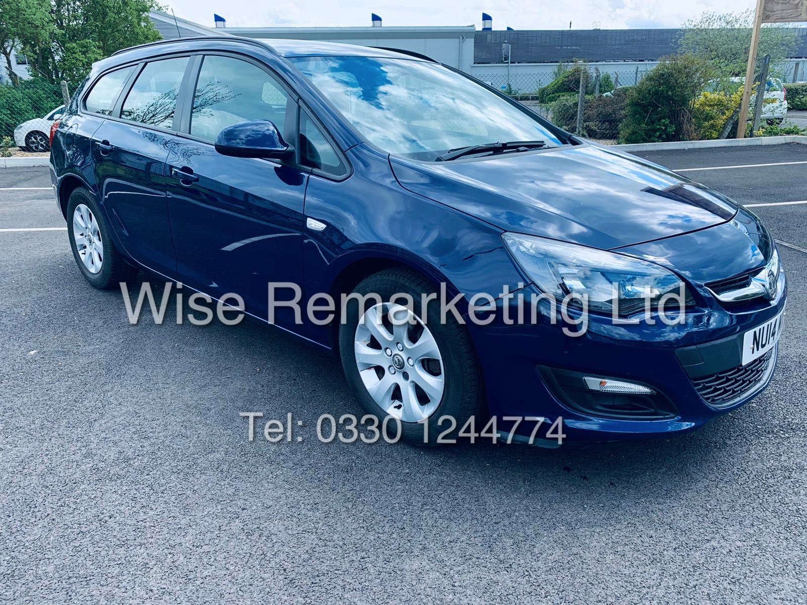 *RESERVE MET* VAUXHALL ASTRA 1.6 CDTI DESIGN ECO FLEX ESTATE (2014 REG) 1 OWNER - Image 8 of 23