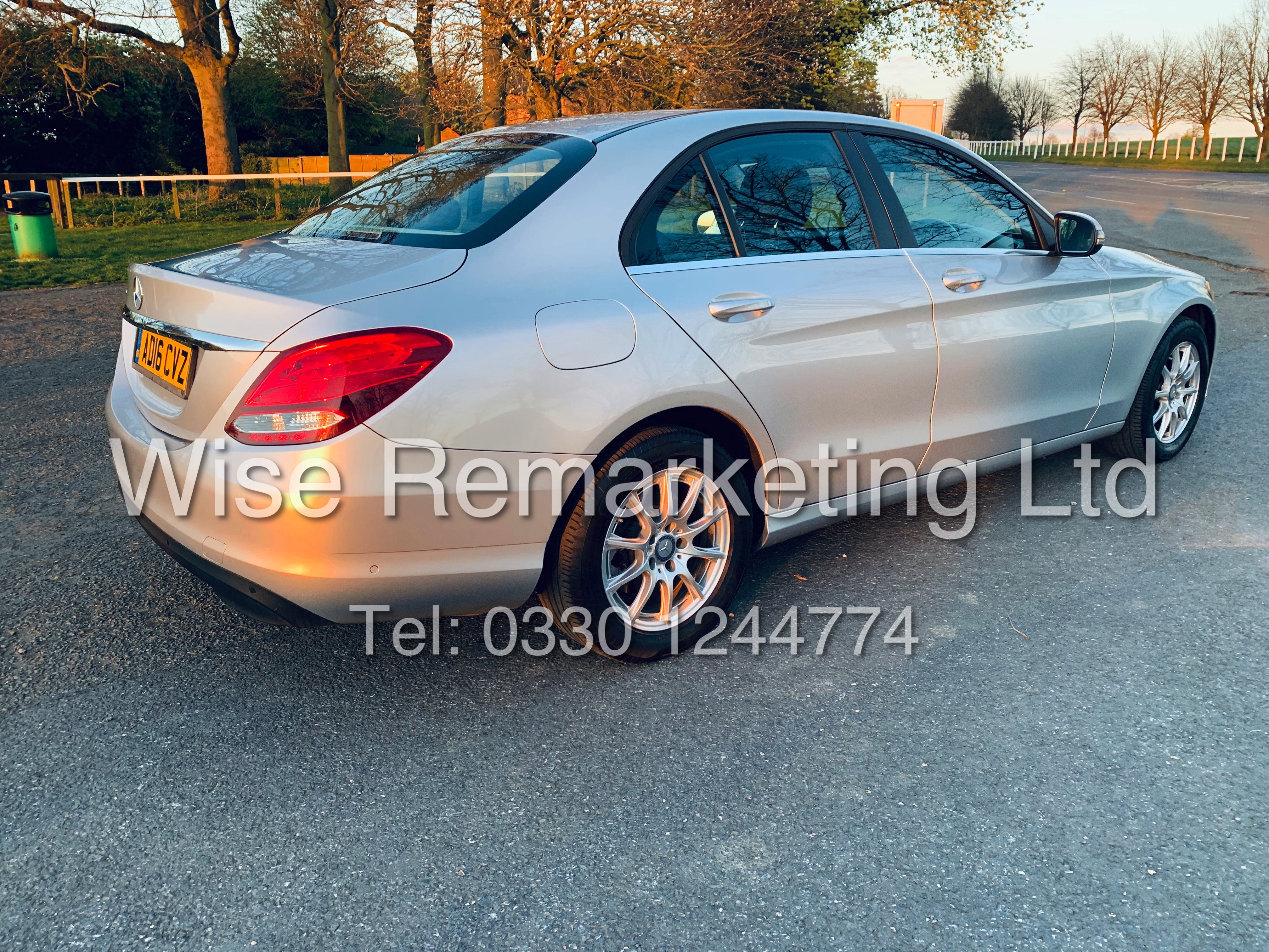 """*** RESERVE MET *** MERCEDES C220D AUTOMATIC """"SE EXECUTIVE"""" SALOON (2016) 1 OWNER / SAT NAV LEATHER - Image 3 of 25"""