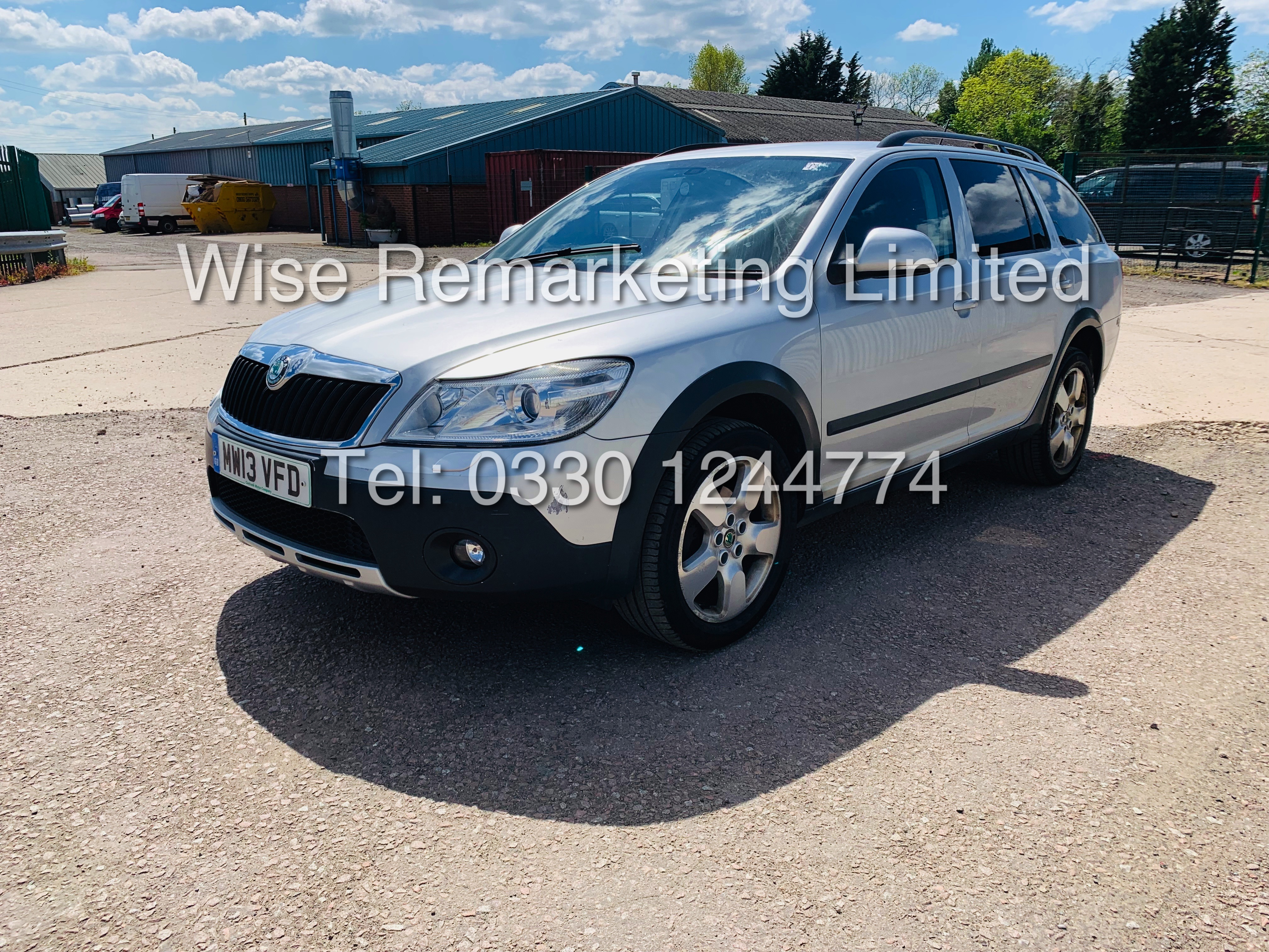 SKODA OCTAVIA (SCOUT) 2.0tdi DSG AUTOMATIC ESTATE / 2013 / 1 OWNER WITH FULL HISTORY / 140BHP - Image 2 of 14
