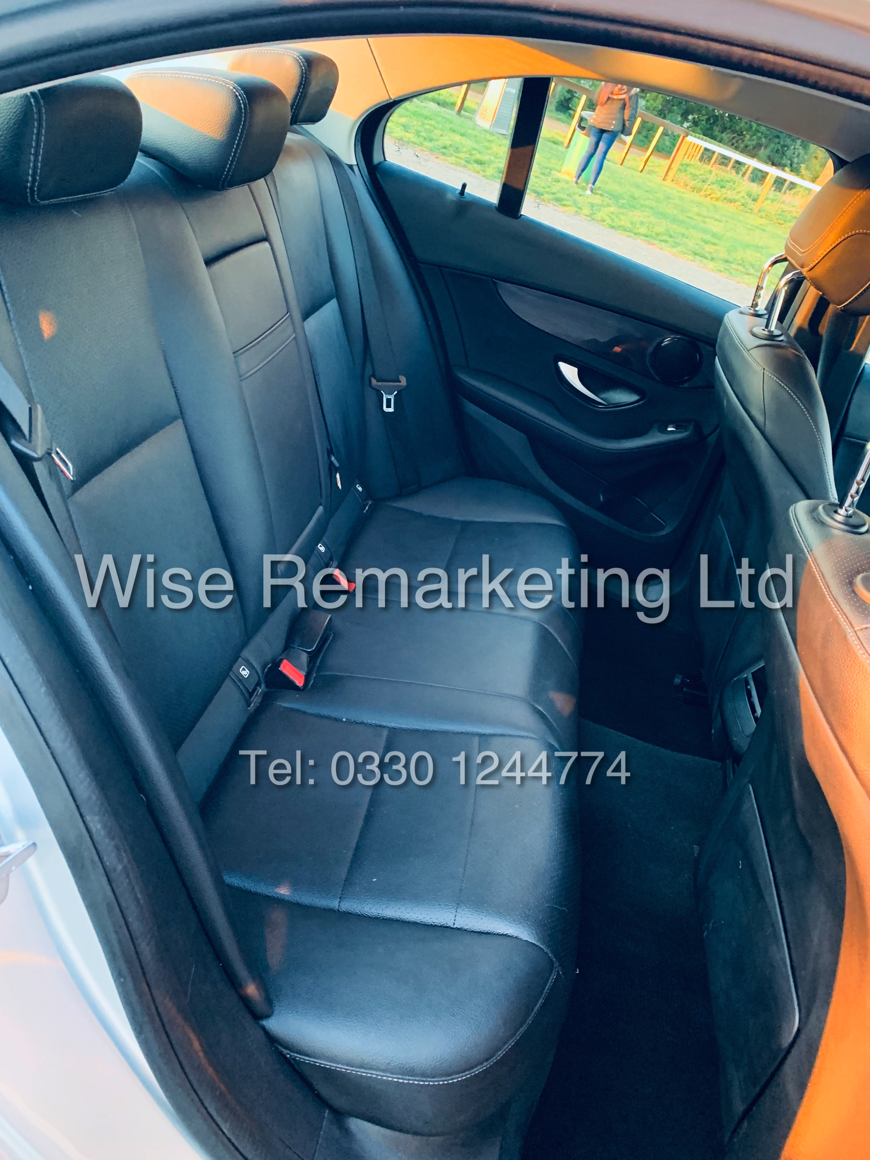 """*** RESERVE MET *** MERCEDES C220D AUTOMATIC """"SE EXECUTIVE"""" SALOON (2016) 1 OWNER / SAT NAV LEATHER - Image 16 of 25"""