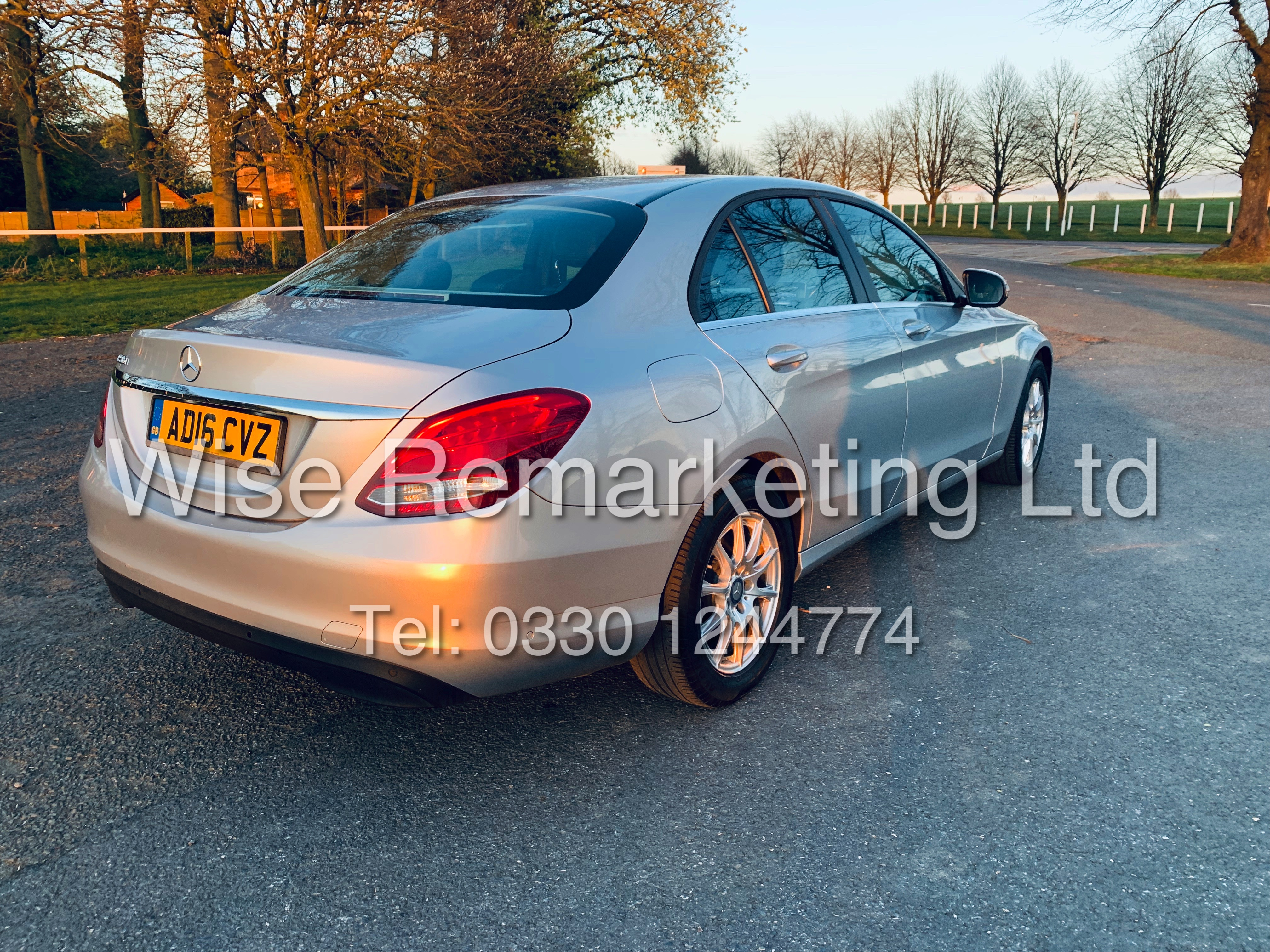 """*** RESERVE MET *** MERCEDES C220D AUTOMATIC """"SE EXECUTIVE"""" SALOON (2016) 1 OWNER / SAT NAV LEATHER - Image 6 of 25"""