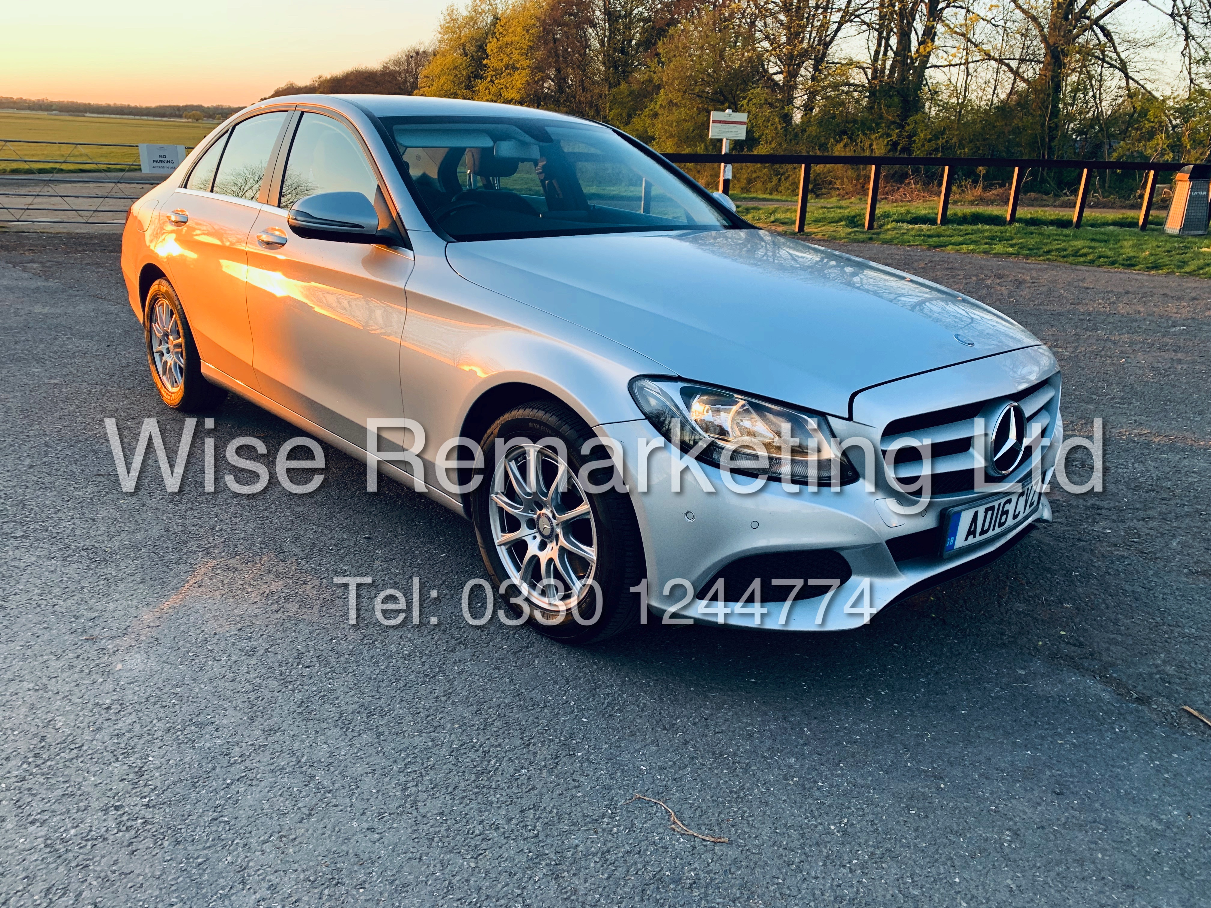 """*** RESERVE MET *** MERCEDES C220D AUTOMATIC """"SE EXECUTIVE"""" SALOON (2016) 1 OWNER / SAT NAV LEATHER - Image 7 of 25"""