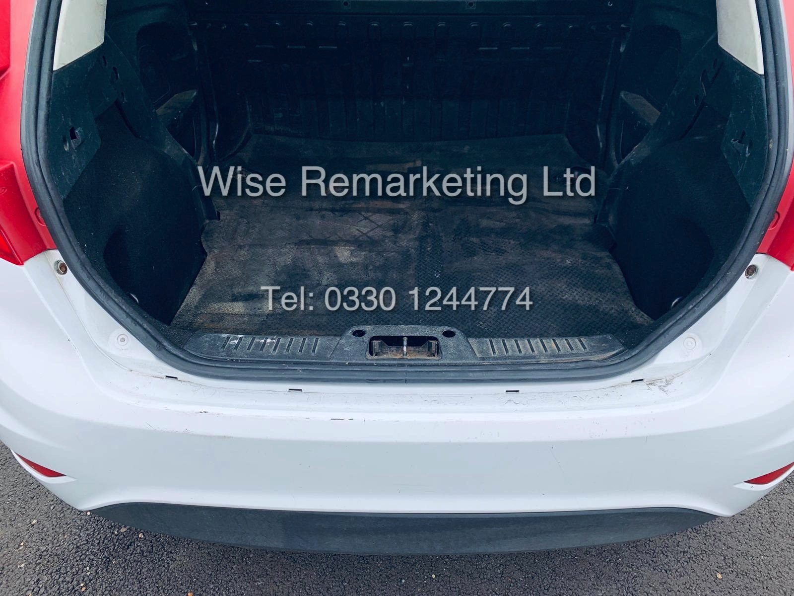 ** RESERVE MET* FORD FIESTA 1.4 TDCI CAR DERIVED VAN *FSH* (2011 SPEC) VERY WELL MAINTAINED - Image 19 of 21