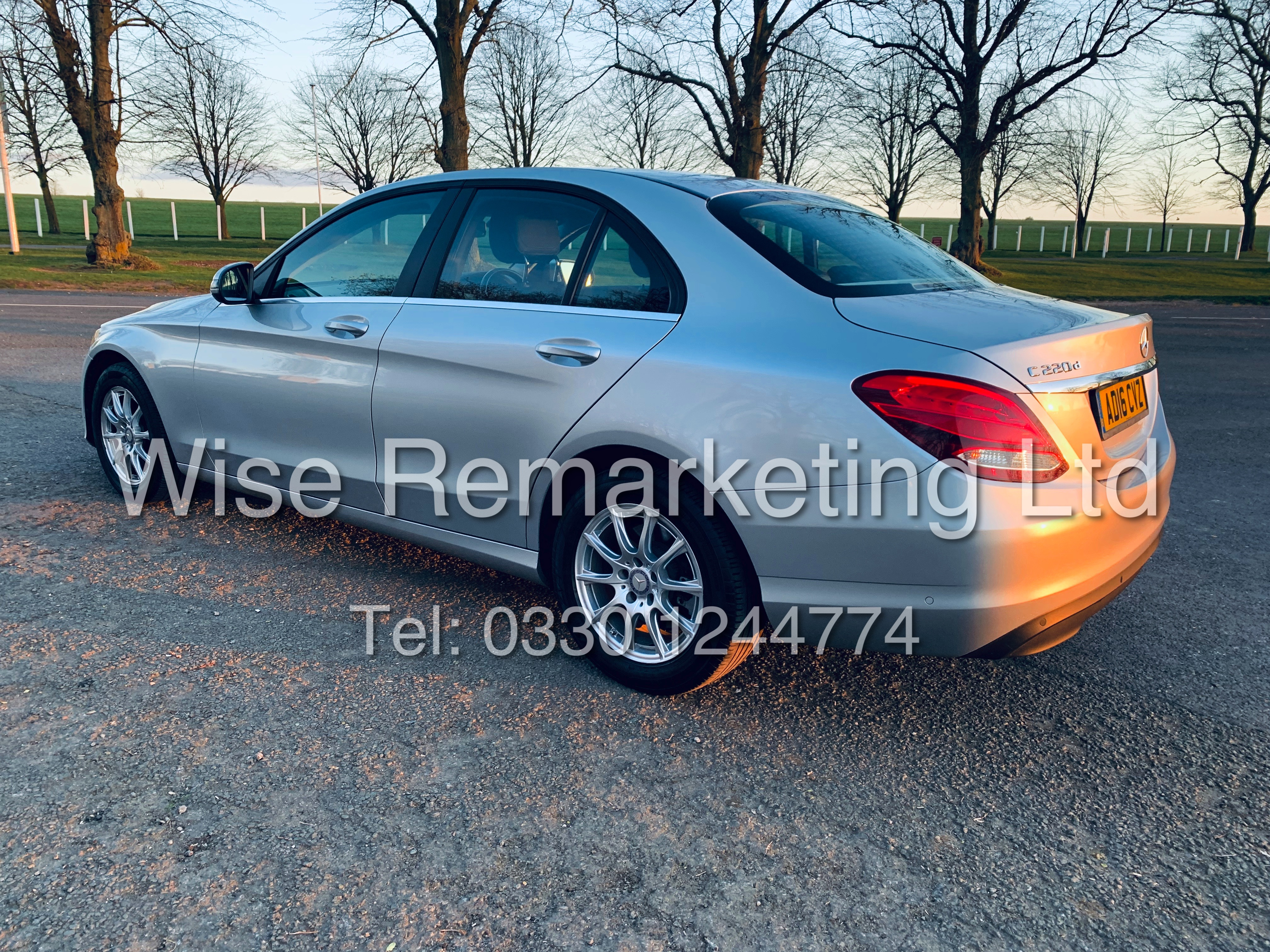 """*** RESERVE MET *** MERCEDES C220D AUTOMATIC """"SE EXECUTIVE"""" SALOON (2016) 1 OWNER / SAT NAV LEATHER - Image 4 of 25"""