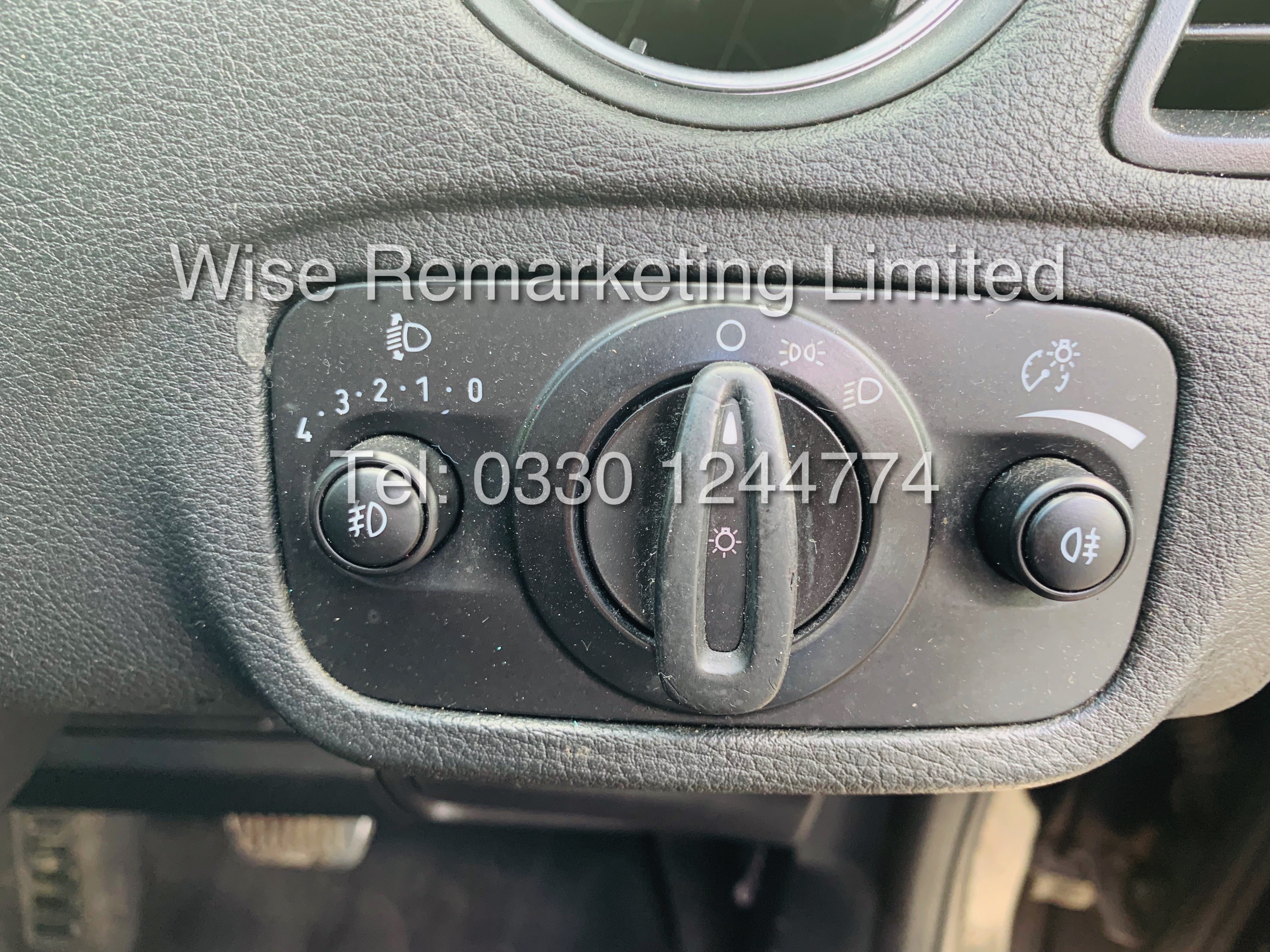 FORD GALAXY ZETEC 2.0L TDCI AUTO 7 SEATER MPV 63 REG *1 OWNER* - Image 14 of 20