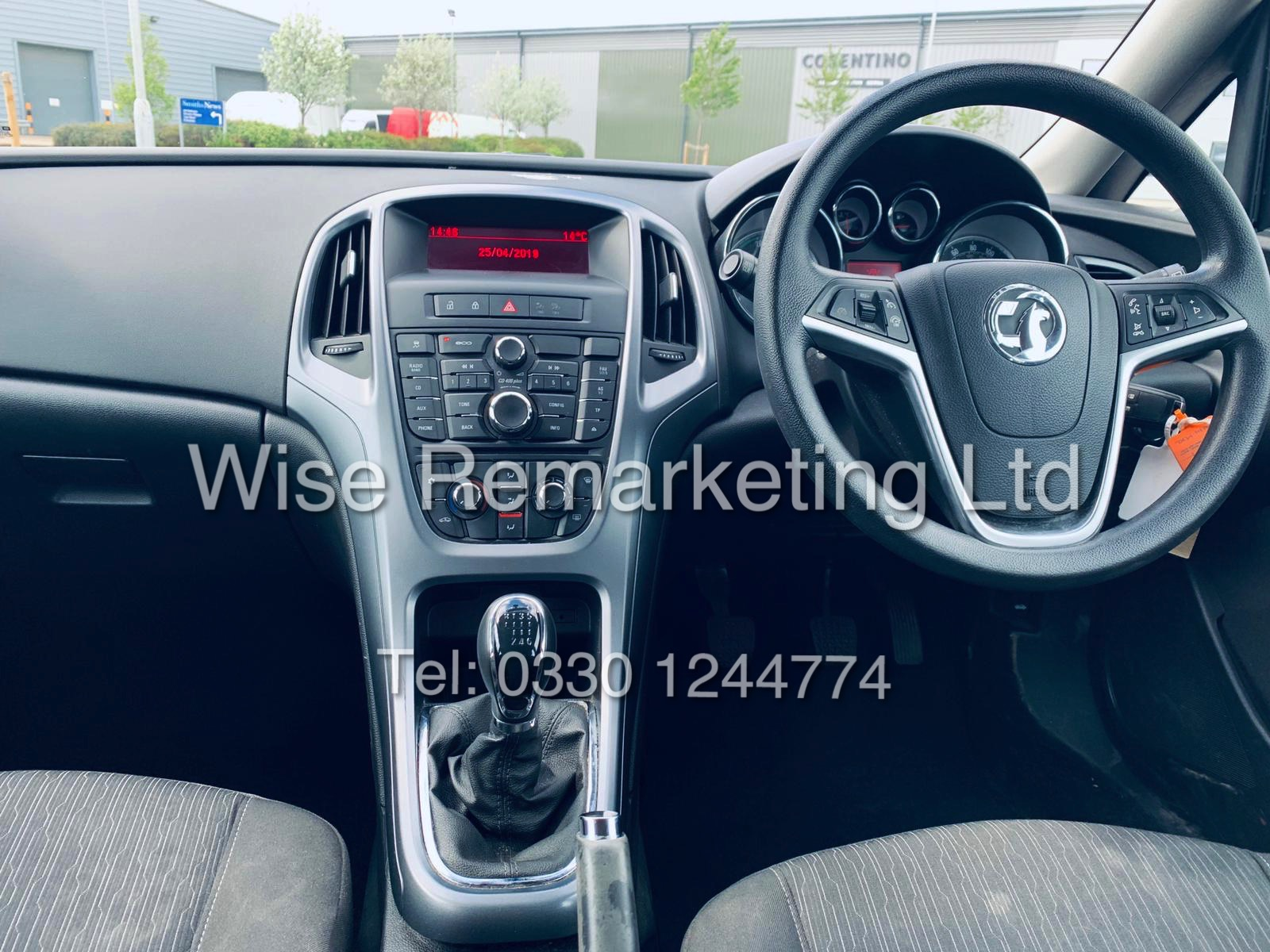 *RESERVE MET* VAUXHALL ASTRA 1.6 CDTI DESIGN ECO FLEX ESTATE (2014 REG) 1 OWNER - Image 17 of 23