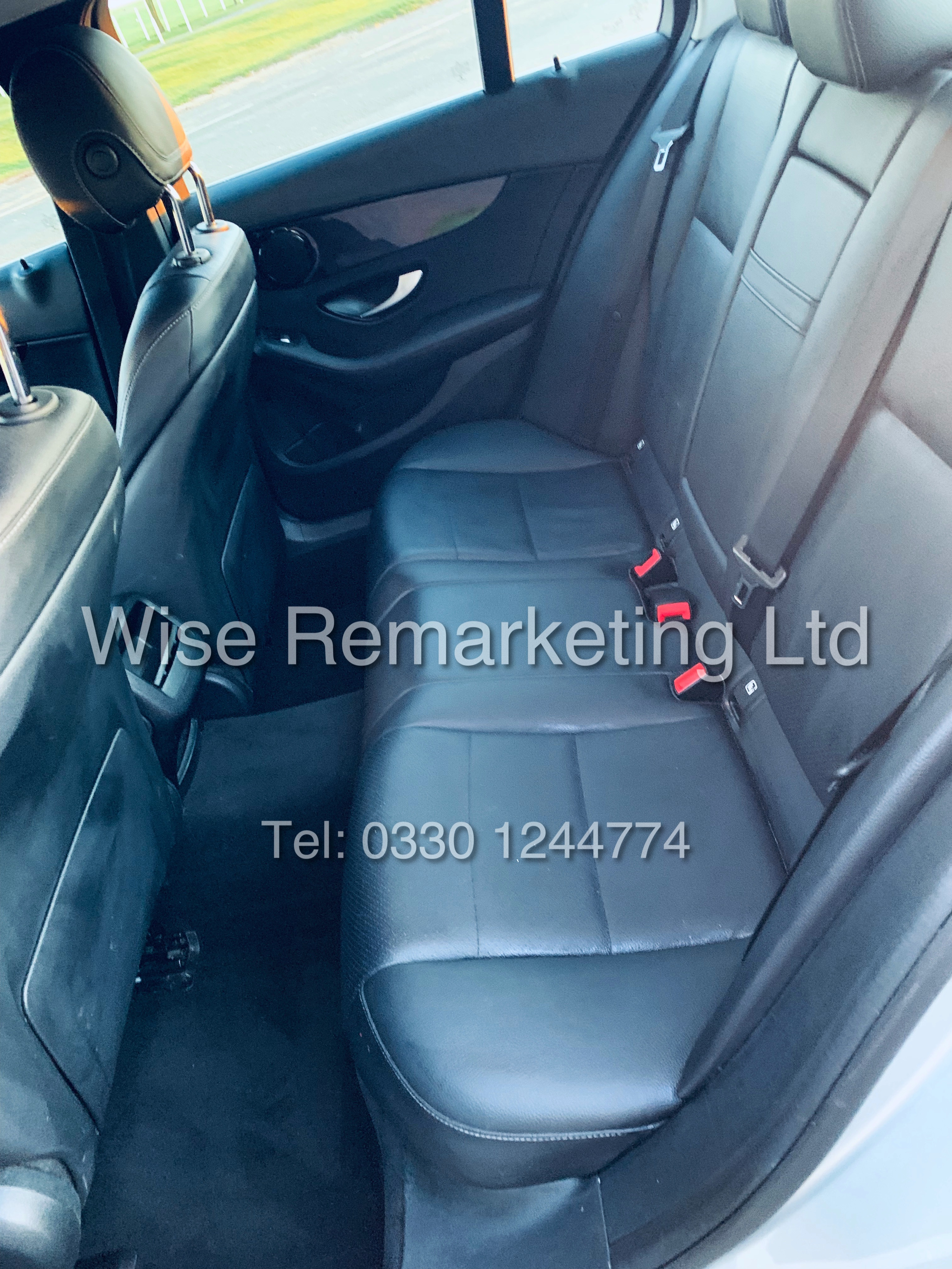 """*** RESERVE MET *** MERCEDES C220D AUTOMATIC """"SE EXECUTIVE"""" SALOON (2016) 1 OWNER / SAT NAV LEATHER - Image 24 of 25"""