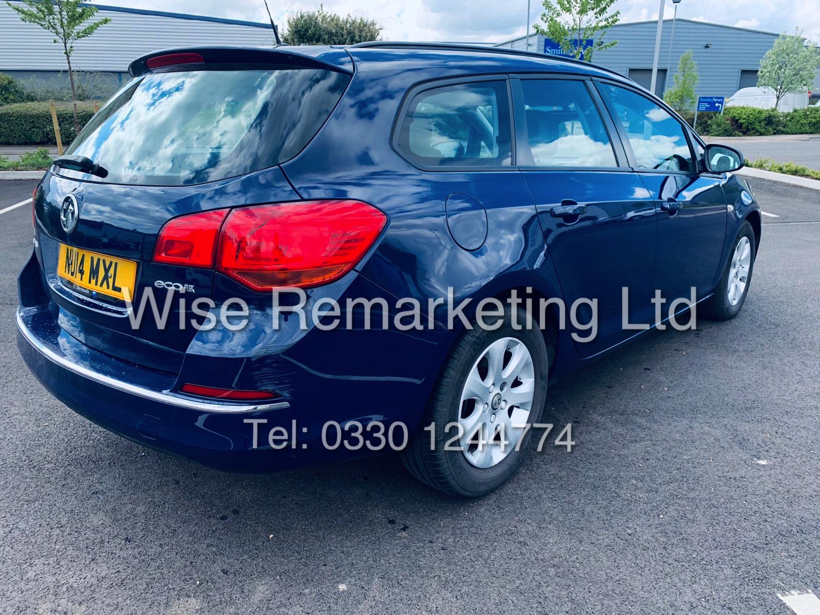 *RESERVE MET* VAUXHALL ASTRA 1.6 CDTI DESIGN ECO FLEX ESTATE (2014 REG) 1 OWNER - Image 11 of 23