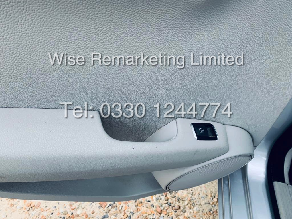MERCEDES C220 SE EXECUTIVE ESTATE 2.1 CDI 13 REG *CREAM LEATHER* - Image 18 of 23