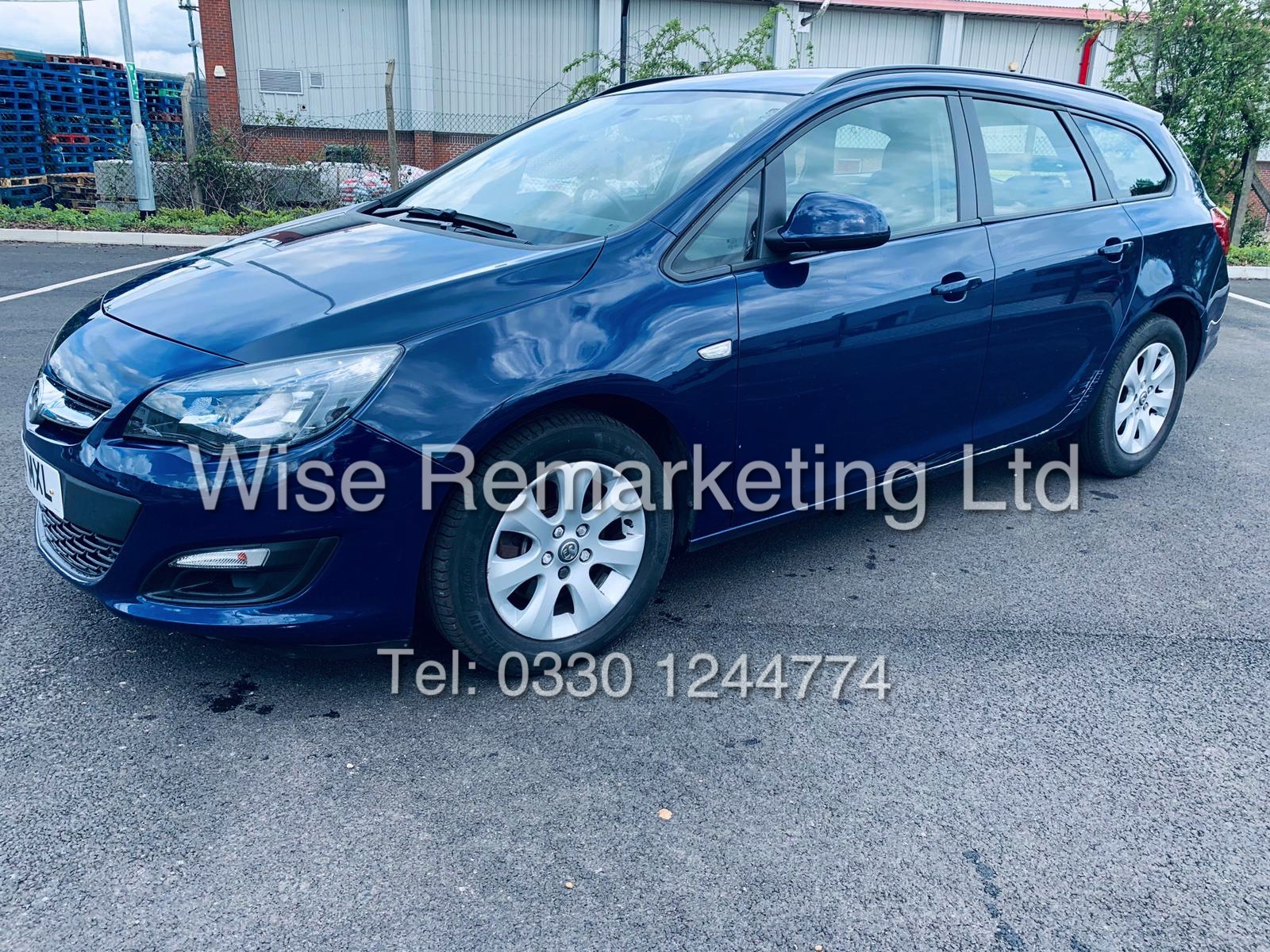 *RESERVE MET* VAUXHALL ASTRA 1.6 CDTI DESIGN ECO FLEX ESTATE (2014 REG) 1 OWNER
