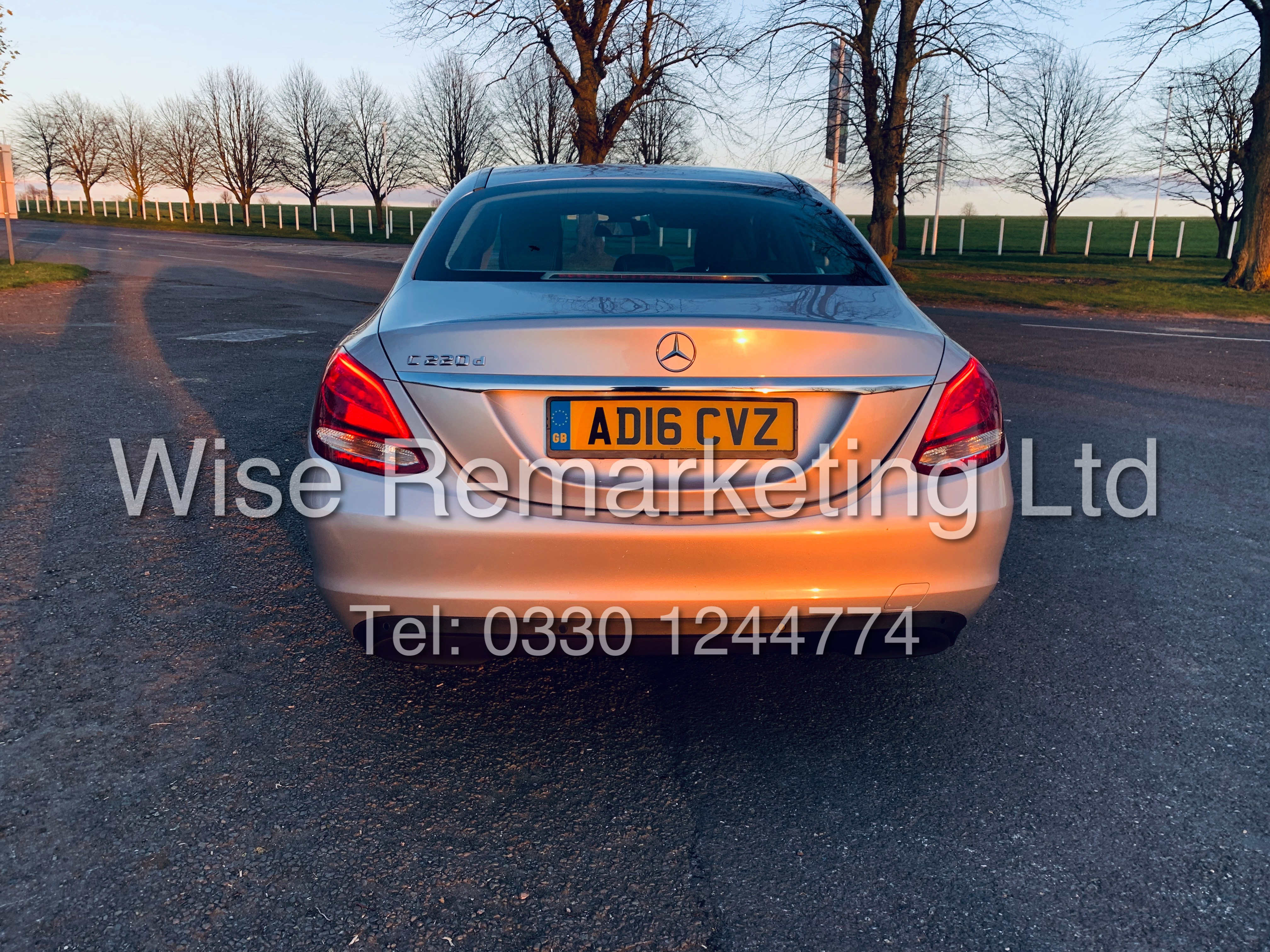 """*** RESERVE MET *** MERCEDES C220D AUTOMATIC """"SE EXECUTIVE"""" SALOON (2016) 1 OWNER / SAT NAV LEATHER - Image 5 of 25"""