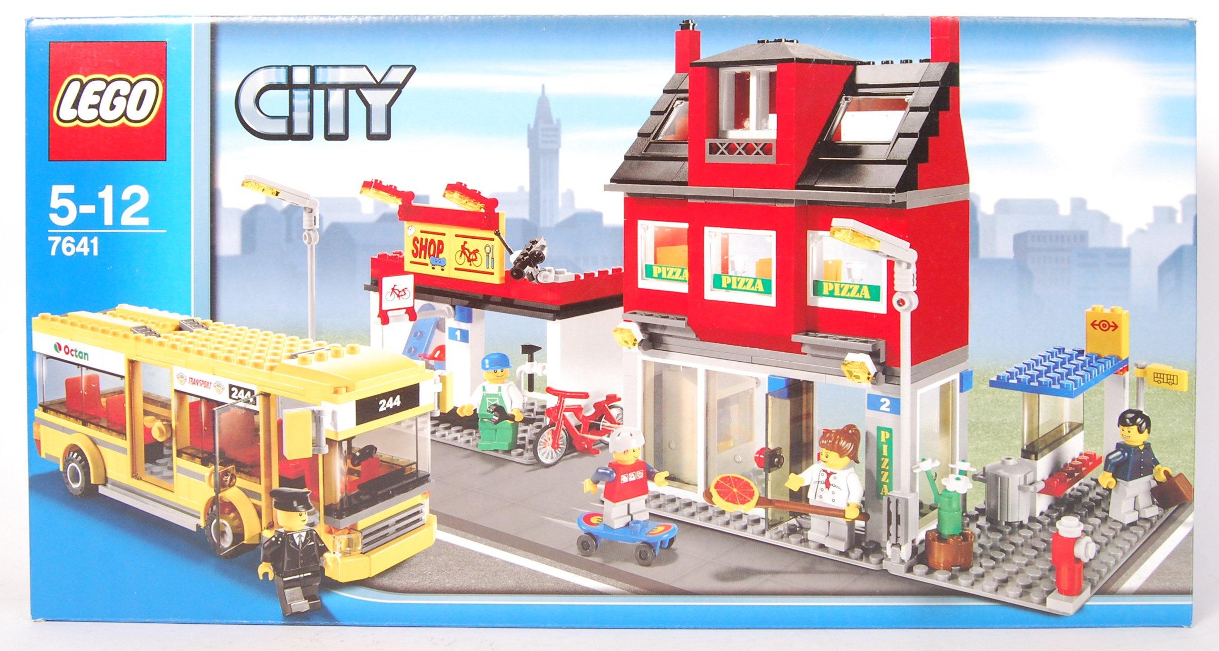 LEGO CITY SET NO. 7641 CITY CORNER