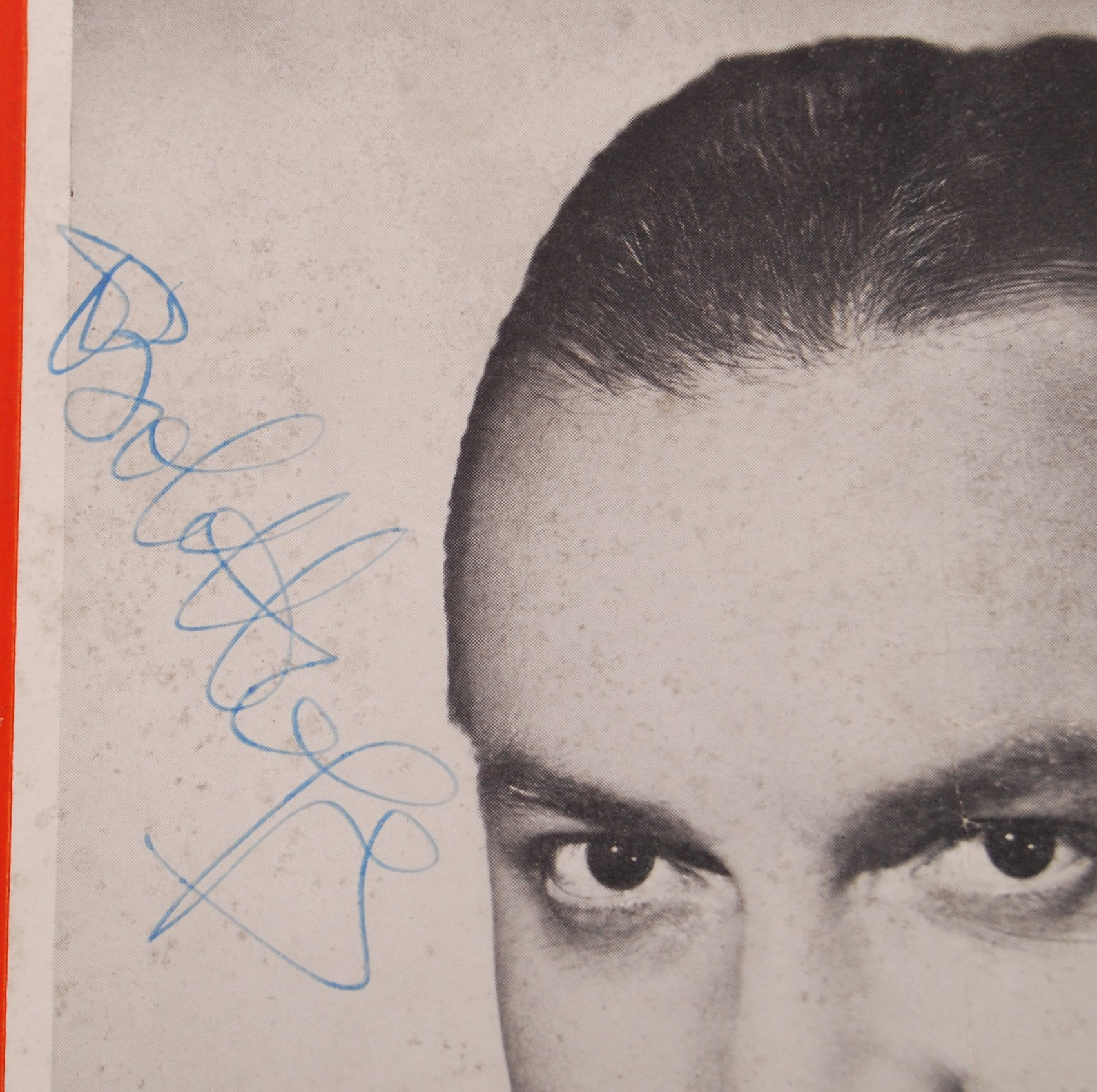 Lot 45 - BOB HOPE - CONCERT TOUR - AUTOGRAPHED PROGRAMME