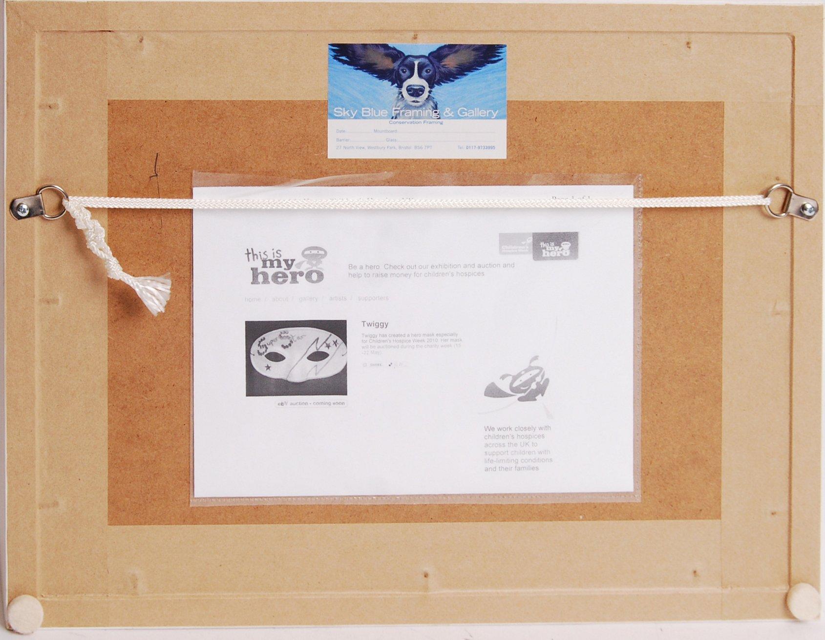 TWIGGY - UNIQUELY CREATED / DESIGNED FACE MASK WIT - Image 4 of 4