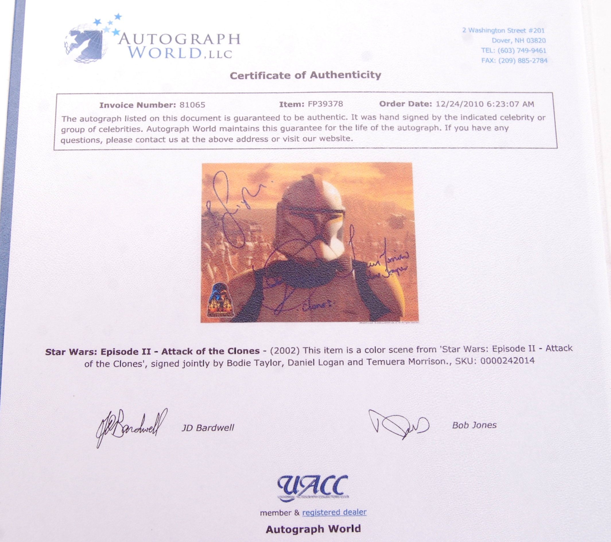 Lot 52 - STAR WARS - MULTI SIGNED AUTOGRAPHED PHOTOGRAPH -