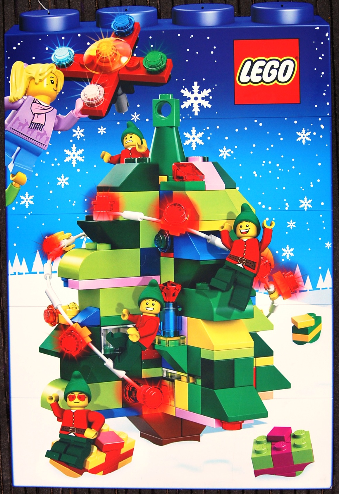 Lot 23 - LEGO CHRISTMAS ORNAMENTAL IN STORE CARD DISPLAY PO