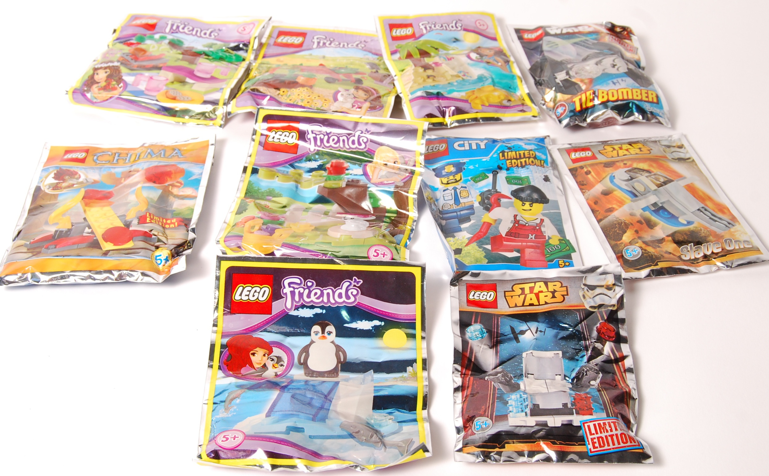 Lot 20 - LEGO FOIL PACK SETS INCLUDING STAR WARS, FRIENDS,