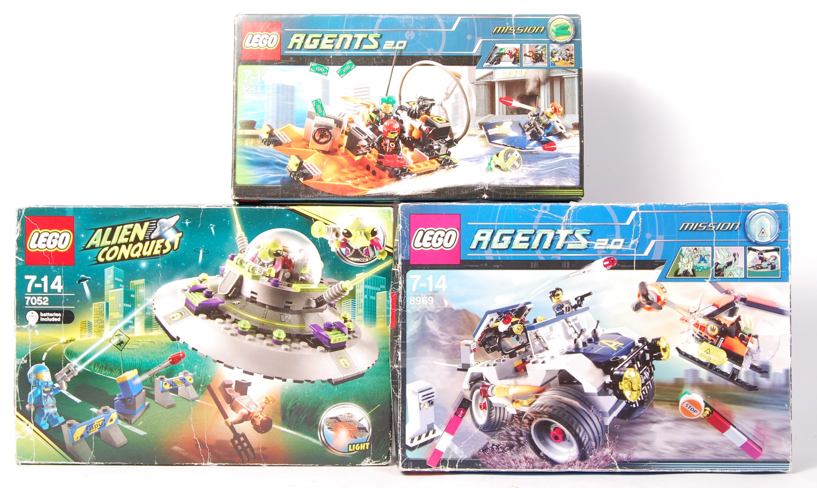 ASSORTED LEGO ' AGENTS ' AND ' ALIEN CONQUEST ' BO