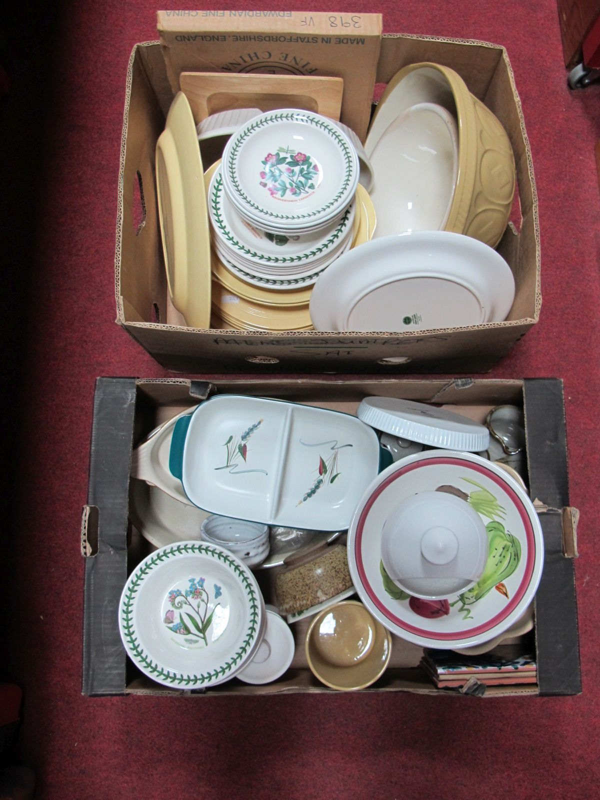 Lot 17 - Portmeirion 'Botanic Garden', Wood's 'Jasmine', T.G.Green mixing bowls, Denby and other pottery:-