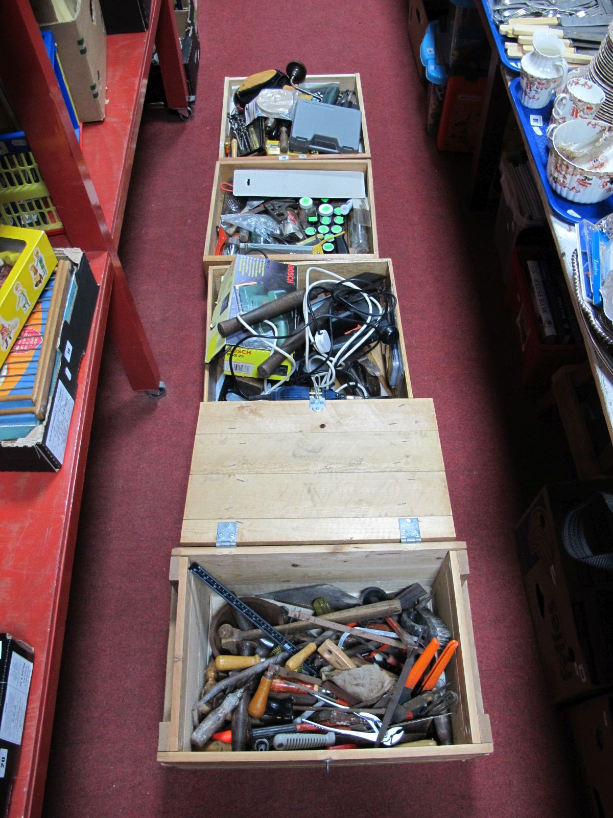 Lot 28 - A Large Quantify of Tools, brace, spirit level, Bosch sander, etc. untested sold for parts only:-