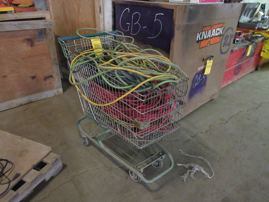SHOPPING CART WITH EXTENSION CORDS