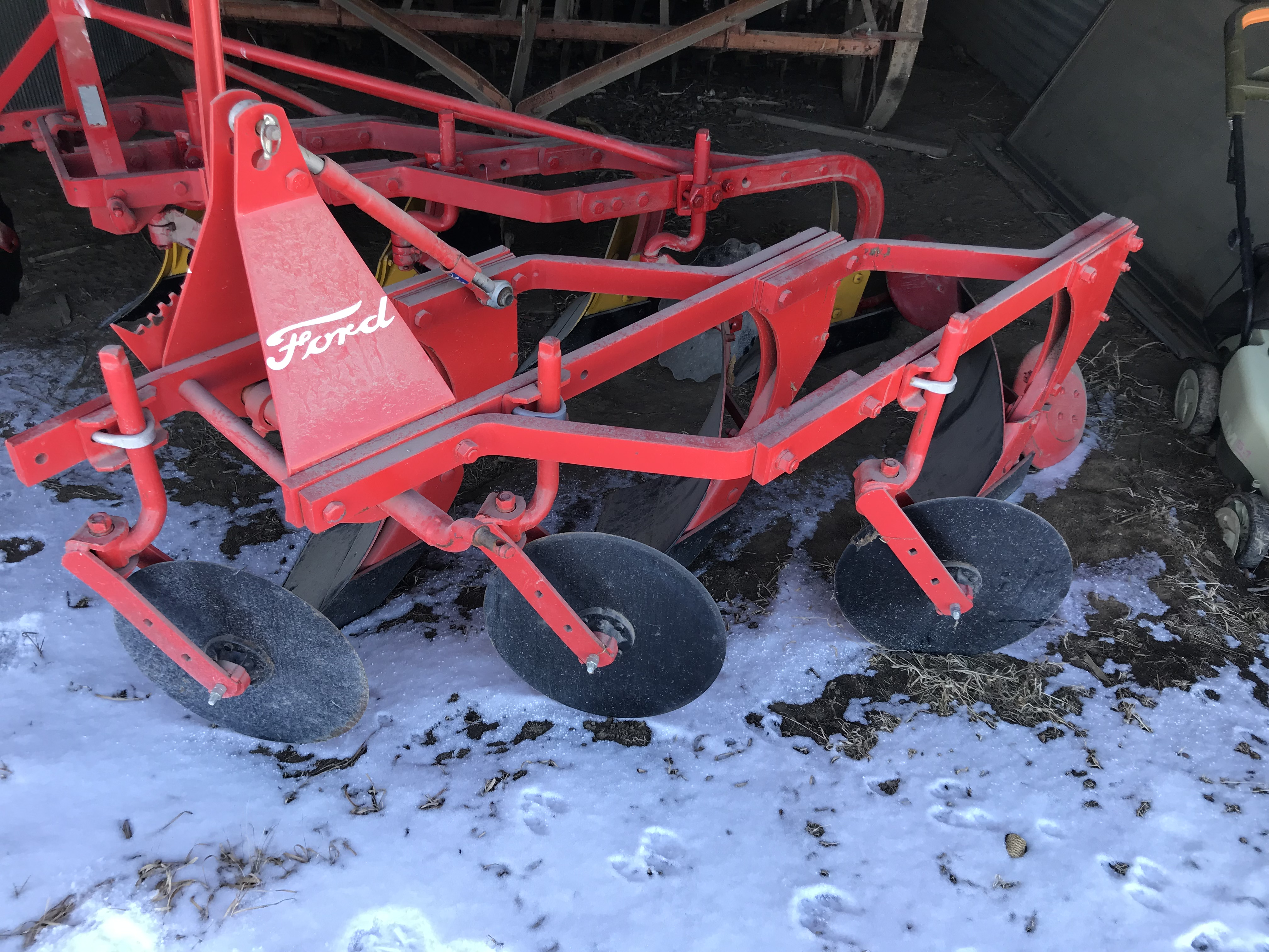 Lot 55 - Ford 3pt 3 Bottom Plow (repainted)
