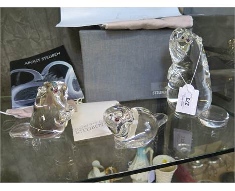 A set of three Steuben glass figures of beavers, largest 16.5cm high with protective bags and box