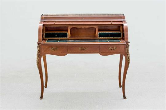 Bureau a cilindro estilo luis xv madera plumeada de nogal y