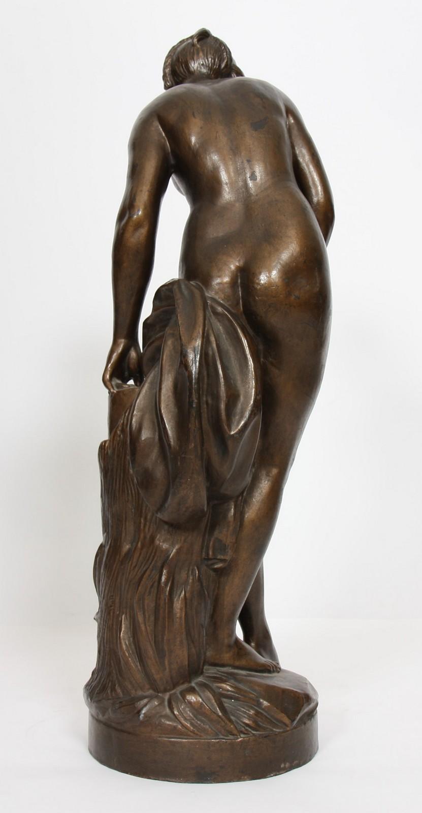 """FONTE """"VENUS AU BAIN"""" Fonte à pâtine marron dorée représentant la """"Vénus au bain"""" d'après - Image 2 of 2"""