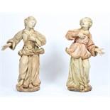 """PAIRE DE """"MUSES"""" EN BOIS SCULPTE POLYCHROME En mélèze, représentants deux jeunes femmes, en pieds,"""
