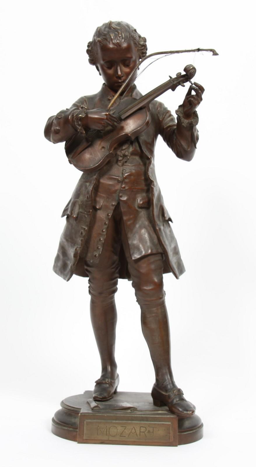 """BRONZE """"MOZART"""" DE LEON GREGOIRE Bronze à patine marron représentant le jeune Mozart, en pied ,"""