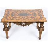 TABLE ITALIENNE EN BOIS POLYCHROME A plateau de forme rectangulaire aux angles sortant, à décor en