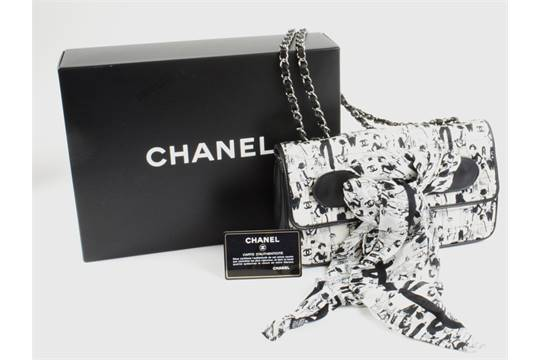 5488d538dcb4 CHANEL LIMITED EDITION KARL LAGERFELD SKETCHES FLAP BAG