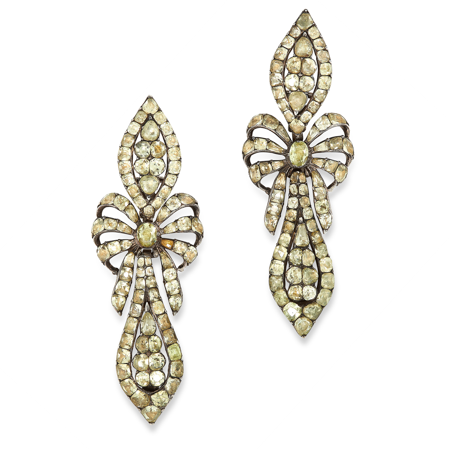 A PAIR OF ANTIQUE CHRYSOLITE EARRINGS, PORTUGUESE