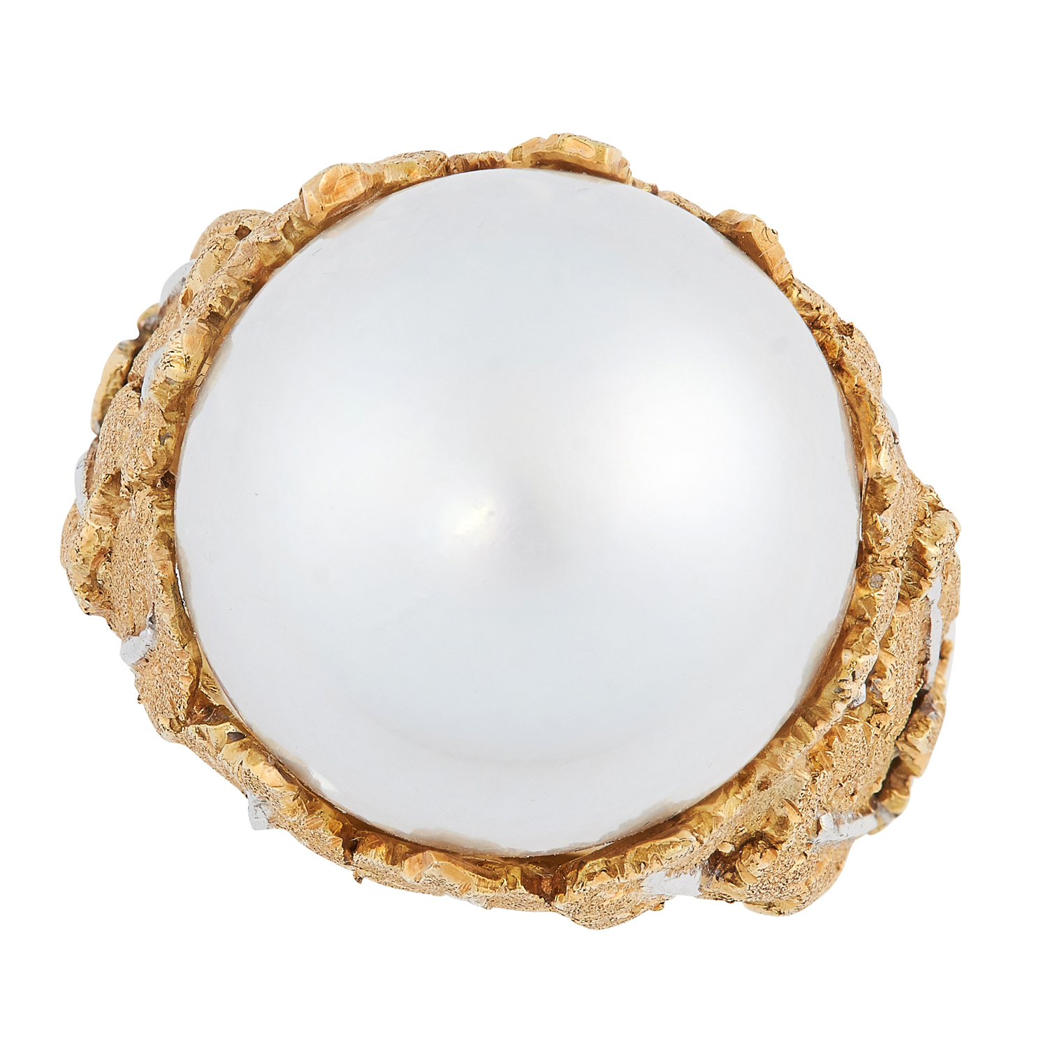A PEARL DRESS RING, BUCCELLATI set with a central south sea pearl of 16.0mm, in an ornate setting