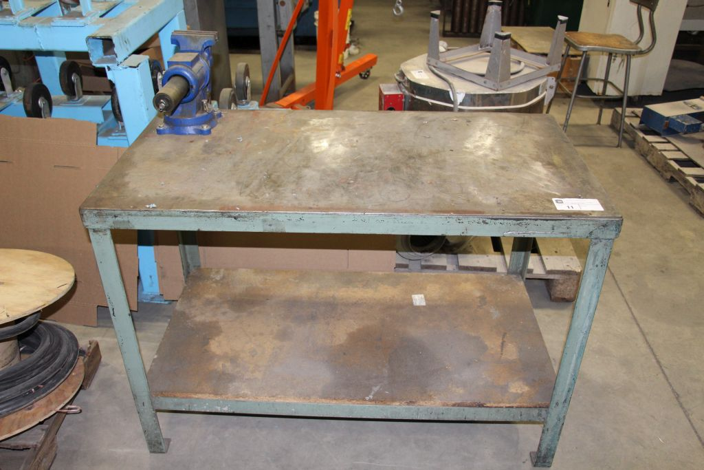 Lot 11 - Metal Worktable with Vise