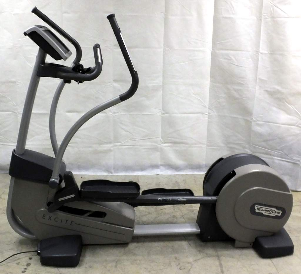 how to use technogym cross trainer