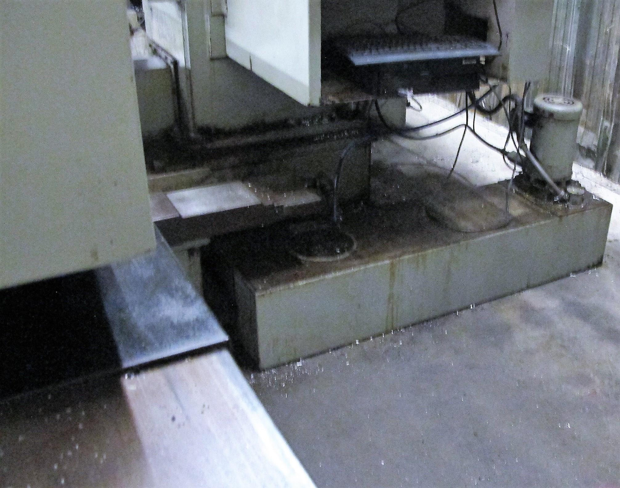 "CINCINNATI MILACRON20VC CNC VERTICAL MILLING MACHINING, 80"" x 30"" TABLE, ACRAMATIC 850SX CNC - Image 18 of 20"