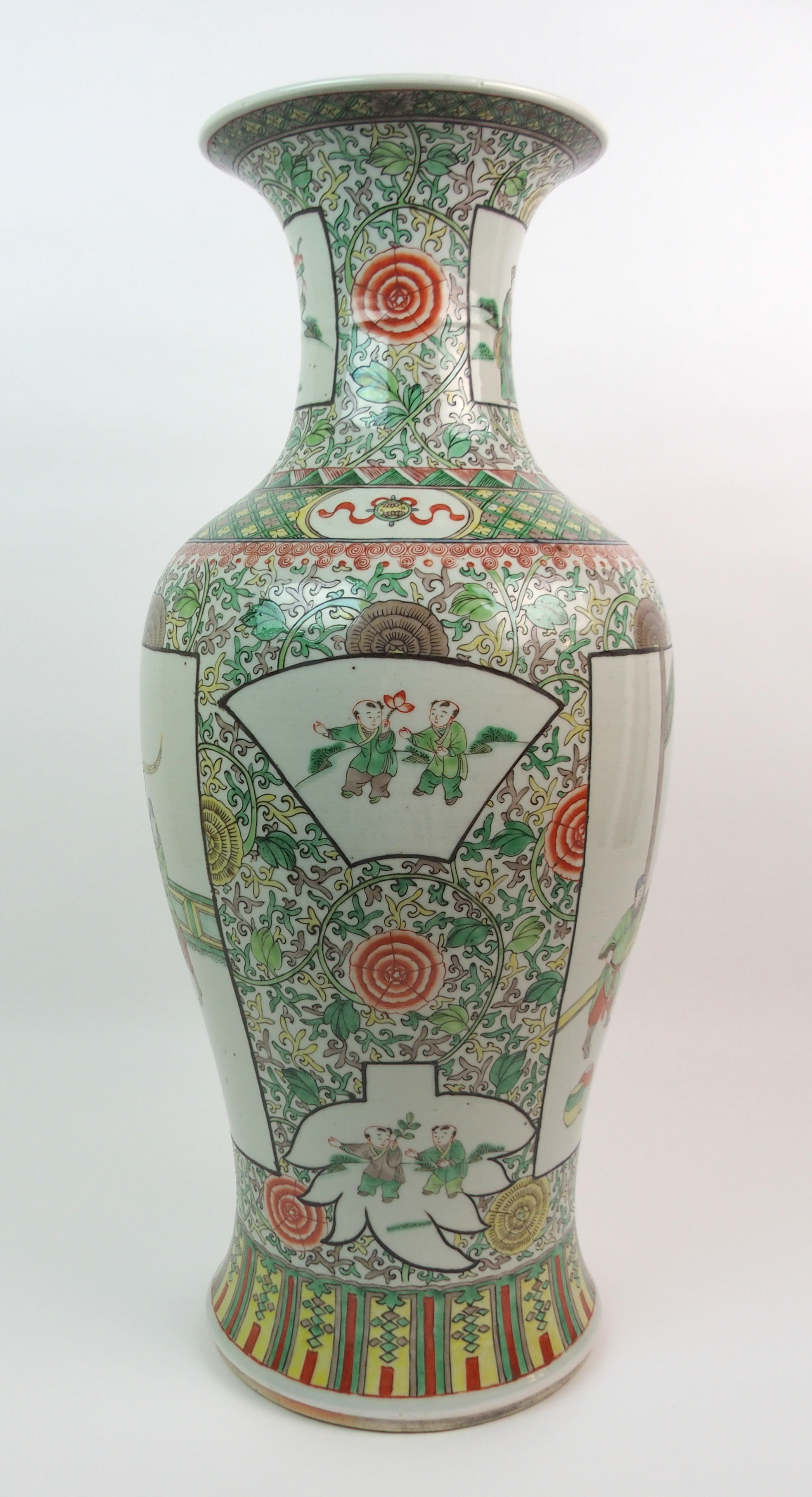 A CHINESE FAMILLE VERTE LARGE BALUSTER VASE painted with panels of figures surrounded by flowers and - Image 8 of 10