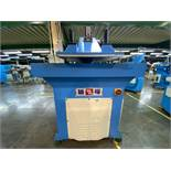(2) Prensas de corte hidráulica de brazo oscilante, marca Ying Hui Machine, Modelo: YG-520