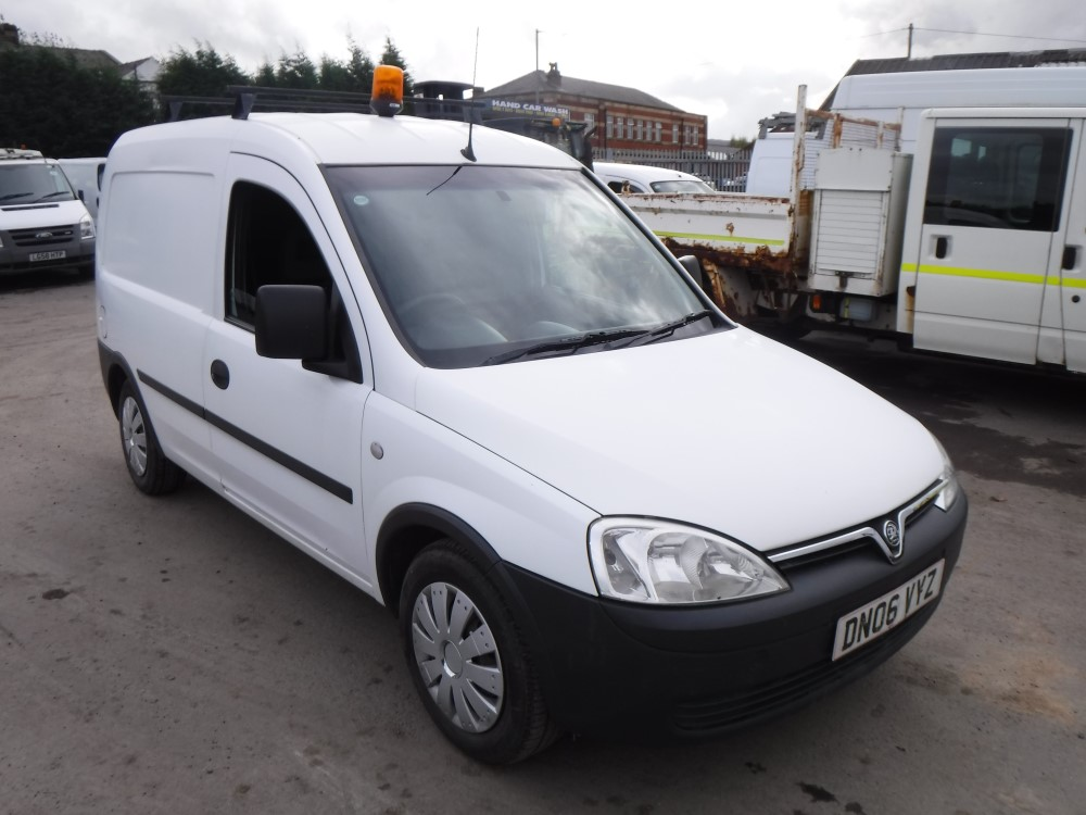 06 reg vauxhall combo 1700 cdti van 1st reg 07 06 test. Black Bedroom Furniture Sets. Home Design Ideas