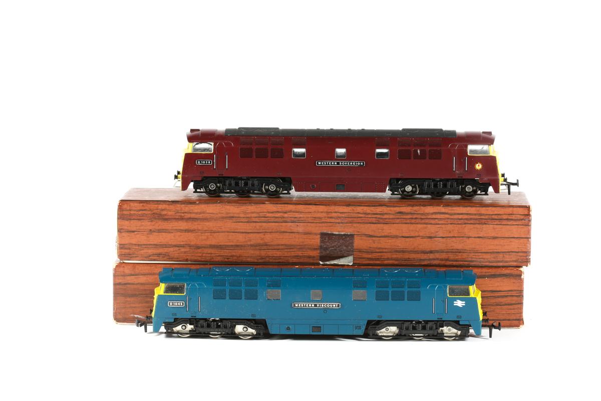 Lot 19 - 2x Liliput BR Western Class 52 Co-Co diesel hydraulic locomotives. 'Western Sovereign' RN D1038 in