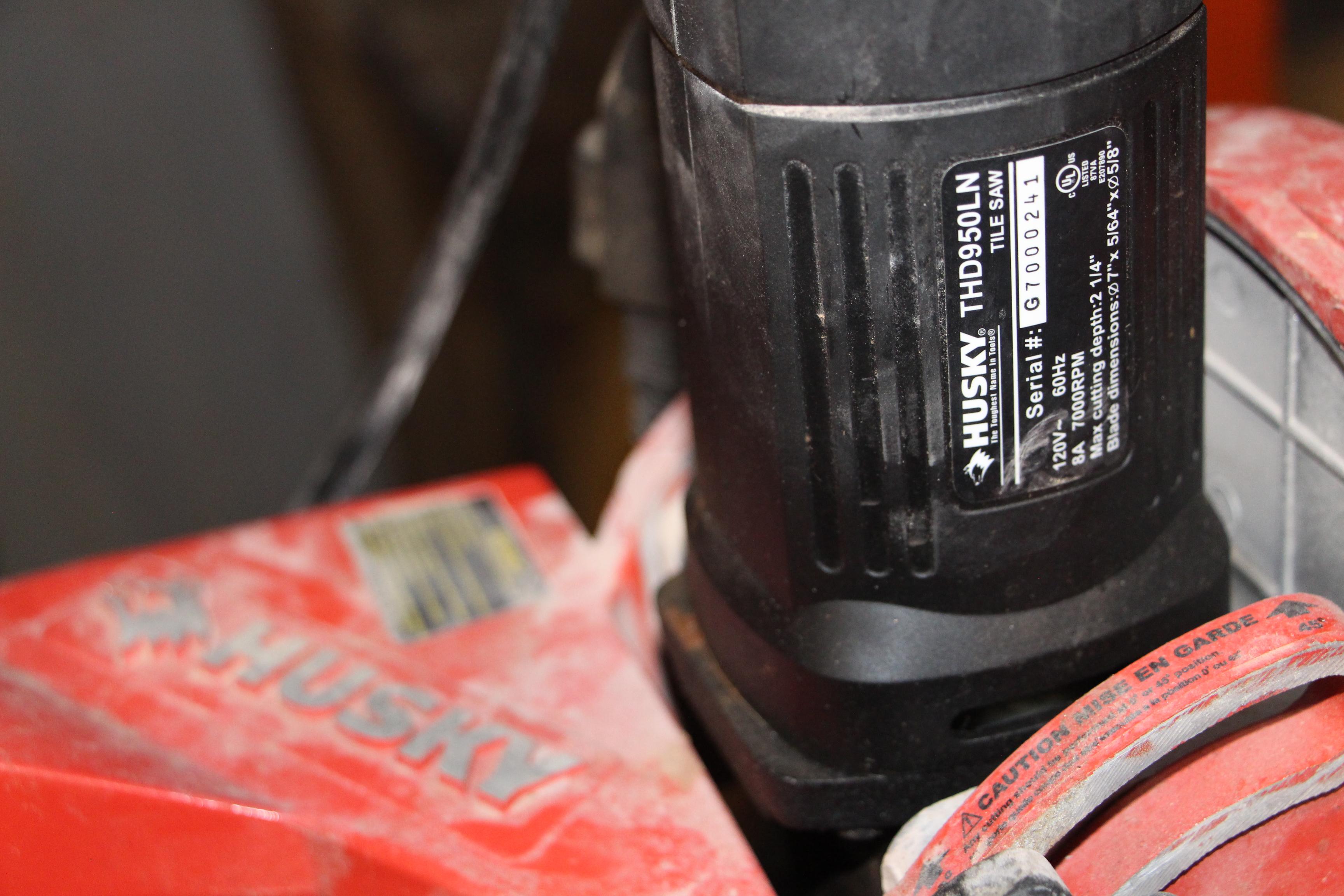 Lot 2191 - Husky THD950LN tile saw